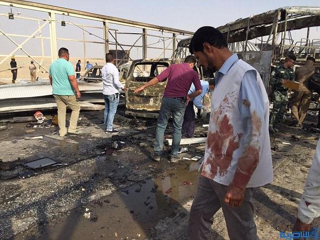 Más de 50 personas murieron y al menos 80 resultaron heridas en los dos ataques, que tuvieron lugar uno tras otro, el jueves por la tarde