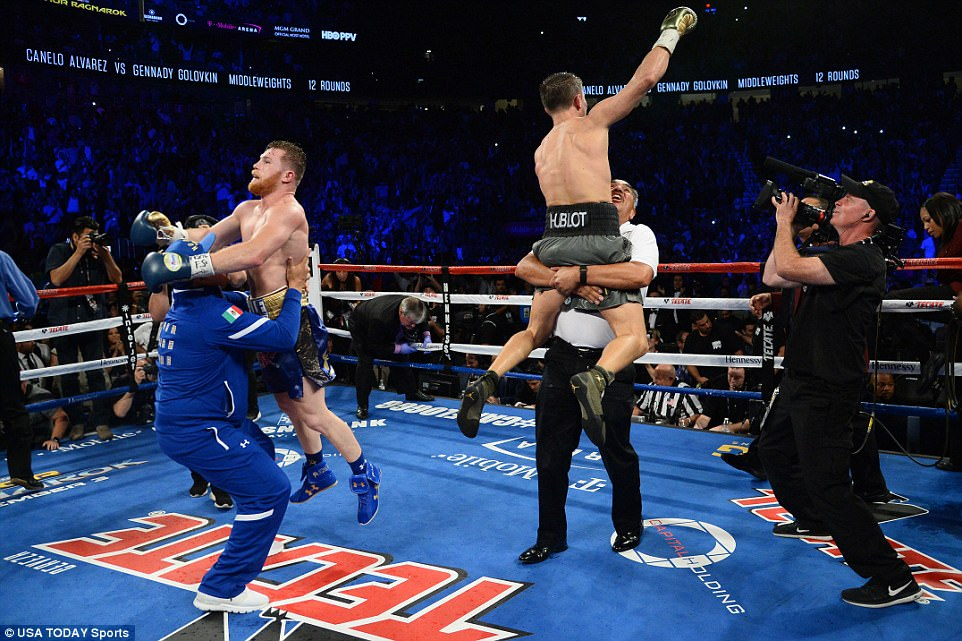 Immediately after the fight finished the two boxers celebrated as though they had each done enough to win