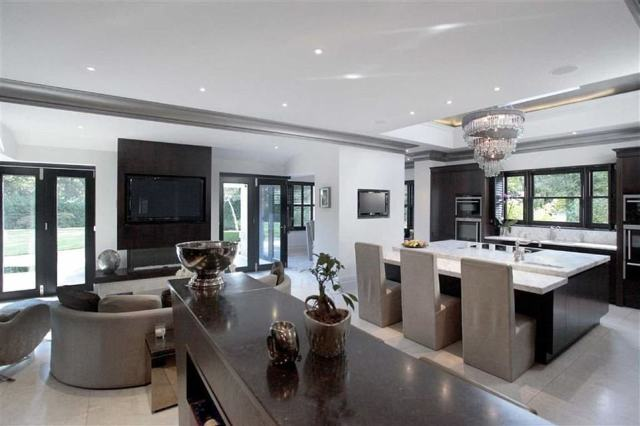 The house has a built-in audio system, state-of-the-art security system, and lighting that can be programmed in each room, along with luxury fittings and furnishings