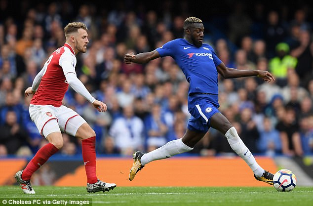 Chelsea midfielder Tiemoue Bakayoko stretches for the ball during a game of few  chances