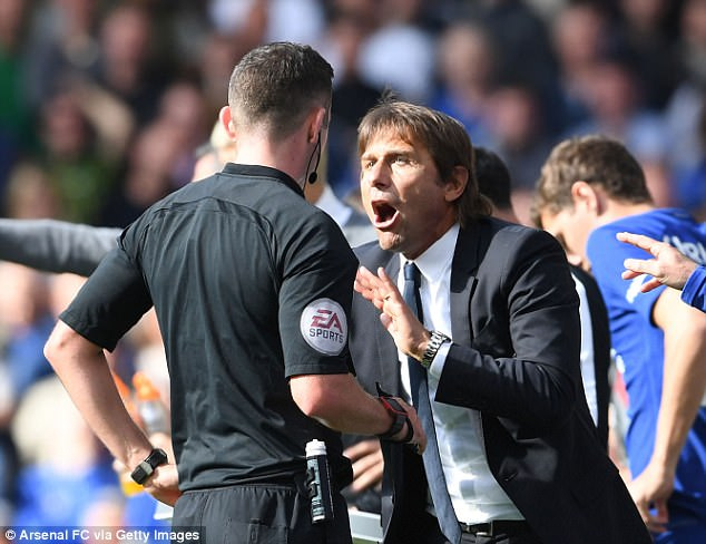 Antonio Conte criticised ref Michael Oliver after Chelsea's 0-0 draw with Arsenal on Sunday