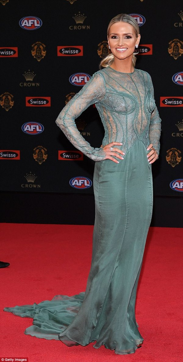 Kahlia Ashton wows in green lace gown at Brownlows | Daily ...