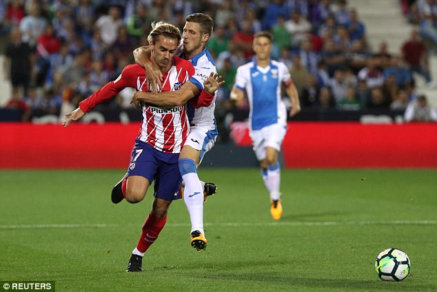 Atletico Madrid need to up Antoine Griezmann's release clause if they want to keep hold of him