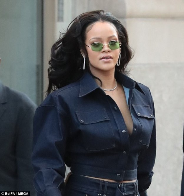 Ready for her close-up! The eight-time Grammy winner went full-on glam with a contoured complexion, coiffed raven waves, and diamond jewelry for her promotional outing