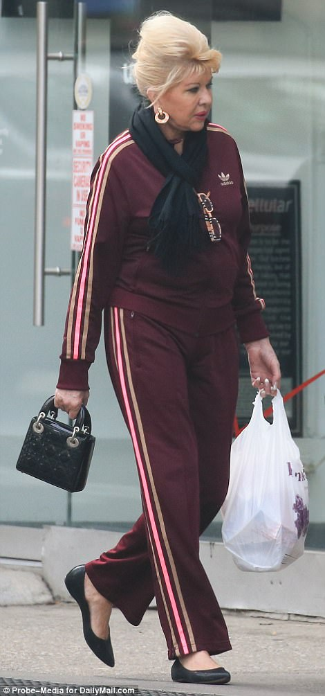 Shopping: Ivana carried her belongings in a plastic shopping bag as she completed her errands by food on Friday