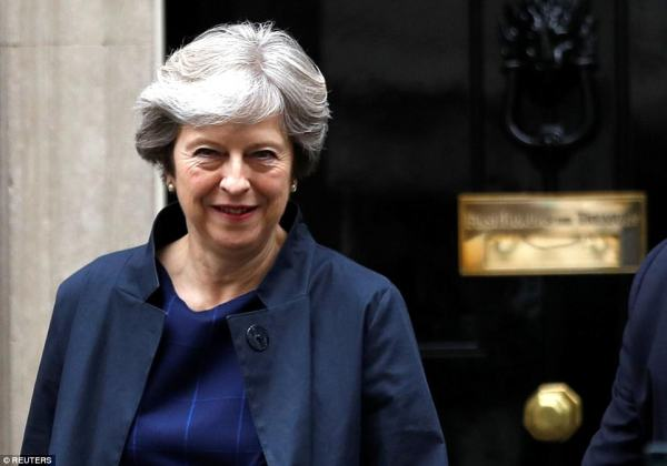 Brexit standoff on Eurocrat pensions as May goes to summit ...
