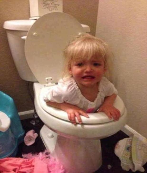 Ayuda, estoy atascado!  Si tiene que subir al baño, al menos asegúrese de poder volver a salir