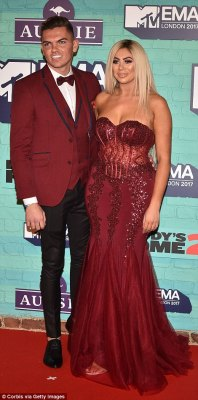 Red Carpet Photos + Winners At The 2017 MTV EMA's