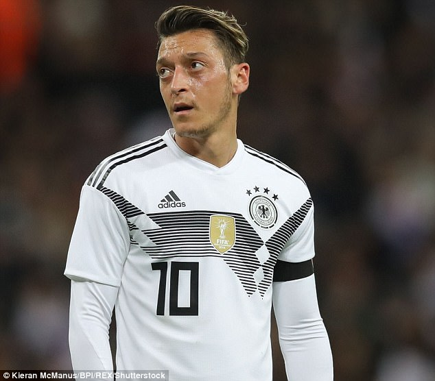 Mesut Ozil Could Be Dropped By Germany For The World Cup