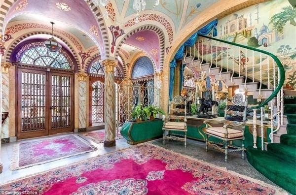 Inside the multi-million dollar mansions of food titans ...