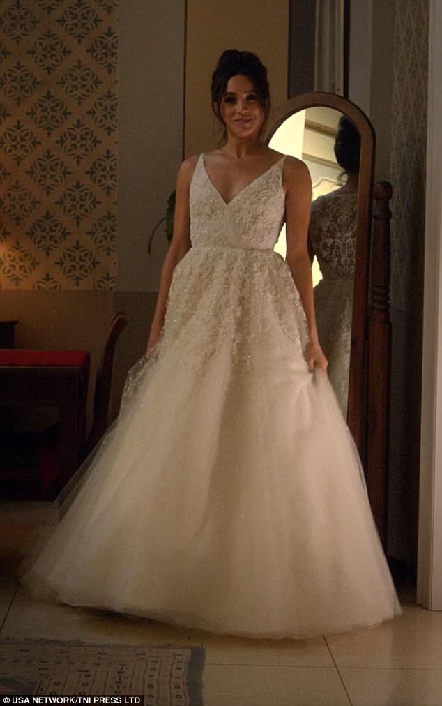 Meghan Markle Dress Wedding 5