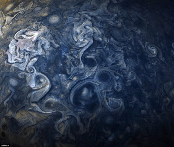 Nasa 'oil painting' image reveals raging storms on Jupiter ...