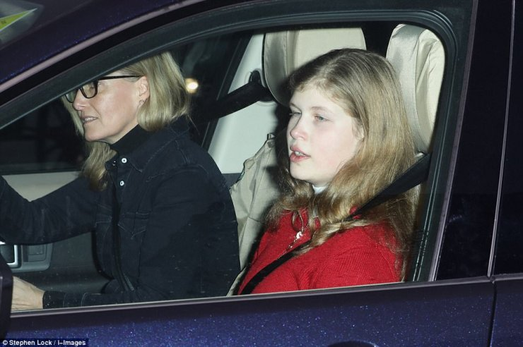 Sophie could be seen wearing a denim jacket as well as a rarely seen pair of spectacles while her daughter looked festive in a red cardigan