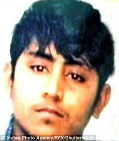 Pawan Gupta (izquierda) y Vinay Sharma (derecha) fueron declarados culpables del alto perfil de violación en grupo y asesinato de un estudiante de 23 años en Delhi en 2012. Fueron condenados a muerte.