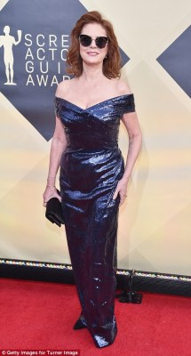 Shades of Blue! Leslie Mann (l) and Susan Sarandon (r) both chose shimmering gowns for this year's awards show