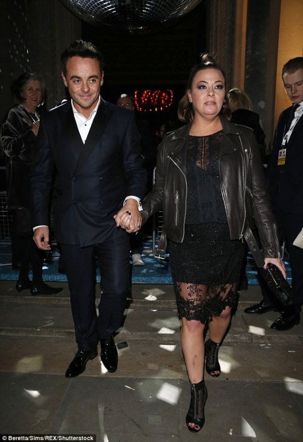 Lisa Armstrong shares cryptic quotes amid Ant divorce