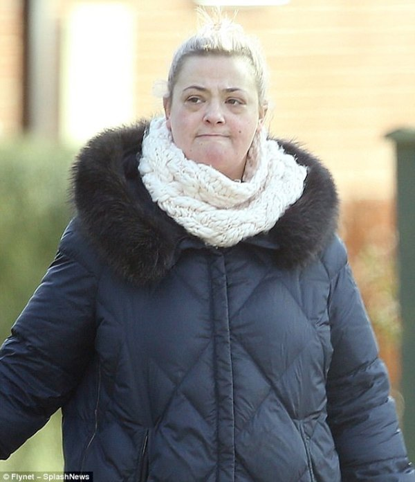 Lisa Armstrong 'likes' cryptic post about 'hiding someone'
