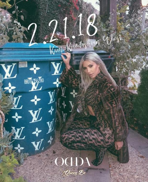 Ella es la reina!  La semana pasada, la estrella de la realidad de 37 años posó junto a botes de basura decorados con el logotipo de Louis Vuitton para la nueva portada de la revista Odda.