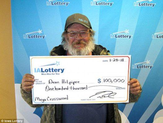 El mes pasado, Hilpipre ganó $ 100,000 jugando a un juego de lotería de Iowa.  Dijo que planeaba usar el dinero para comprar una casa nueva
