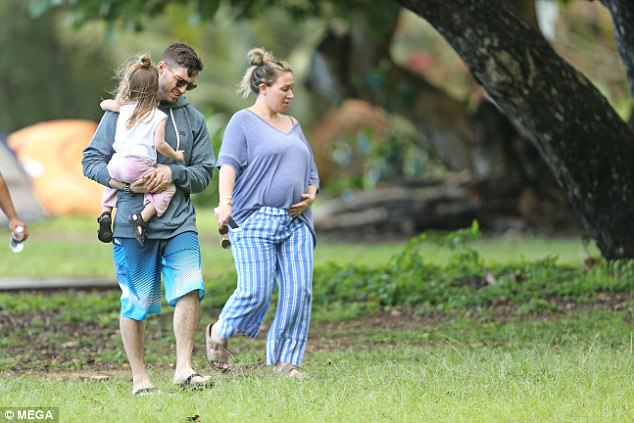 Pregnant Haylie Duff Shows Off Baby Bump In Hawaii Daily
