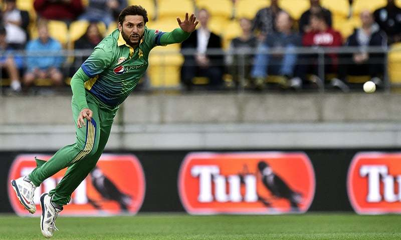Pakistan captain Shahid Afridi bowls during the third T20 against New Zealand in Wellington on January 22, 2016. — AFP/File