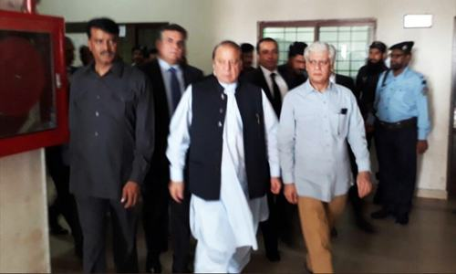 Nawaz to face indictment on Oct 9; court issues arrest warrants for sons, son-in-law