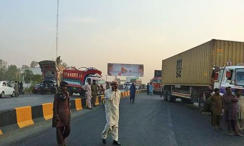 TLP workers block a thoroughfare in Sahiwal — Photo by author