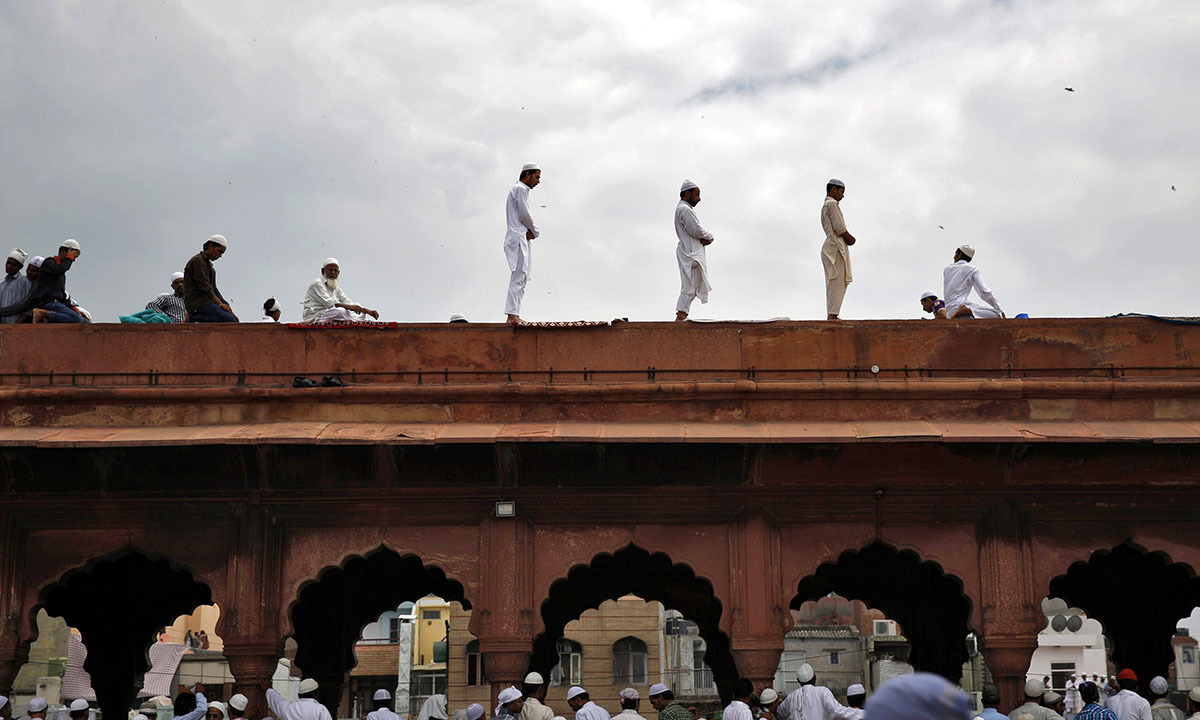 Prayers being offered on the last day of the holy month of Ramzan at Jama Masjid, Dehli | Reuters