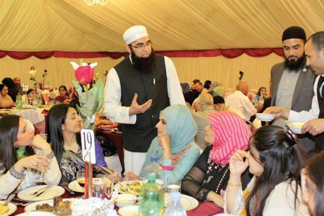 Junaid Jamshed at the Muslim Charity fund-raising dinner in the UK in 2013