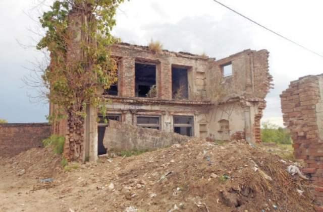 A dilapidated gurdwara in Neelah village.