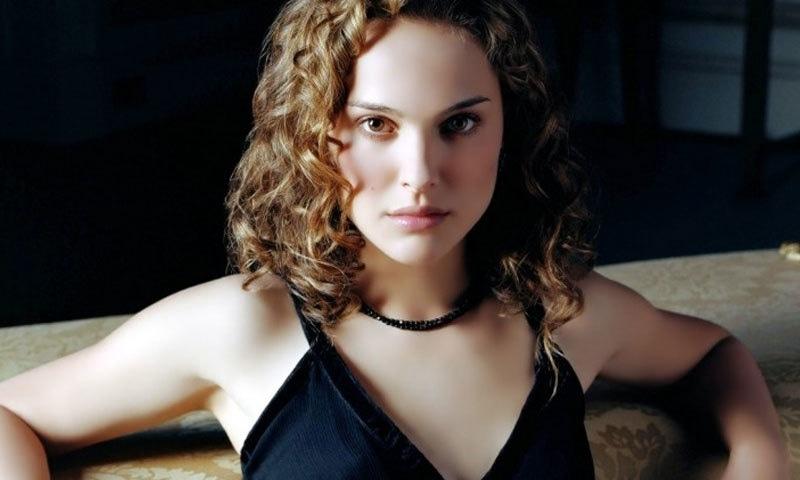 ووکس لکس میں اداکارہ نے گلوکارہ کا کردار ادا کیا ہے—اسکرین شاٹ