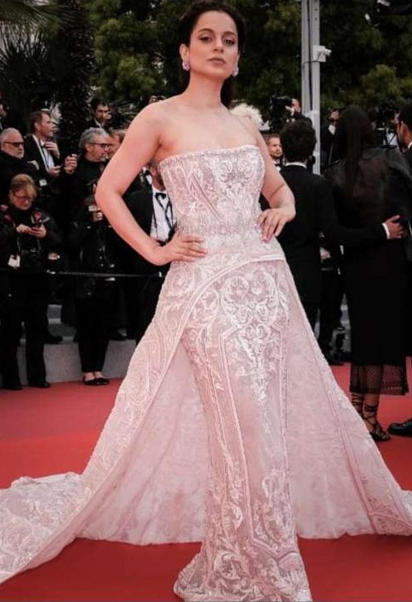بولی وڈ اداکارہ کنگنا رناوٹ دوسری مرتبہ کانز فیسٹیول کا حصہ بنی اور سب کو خوب متاثر کیا