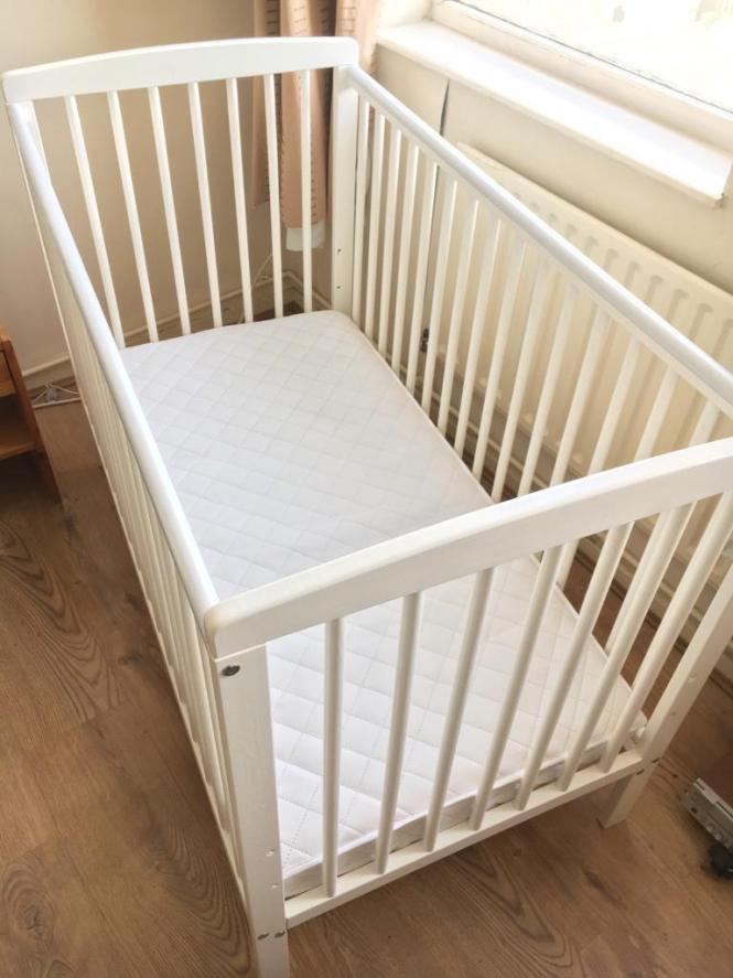 Kinder Valley Sydney Baby Cot In White Mother Nurture Mattress