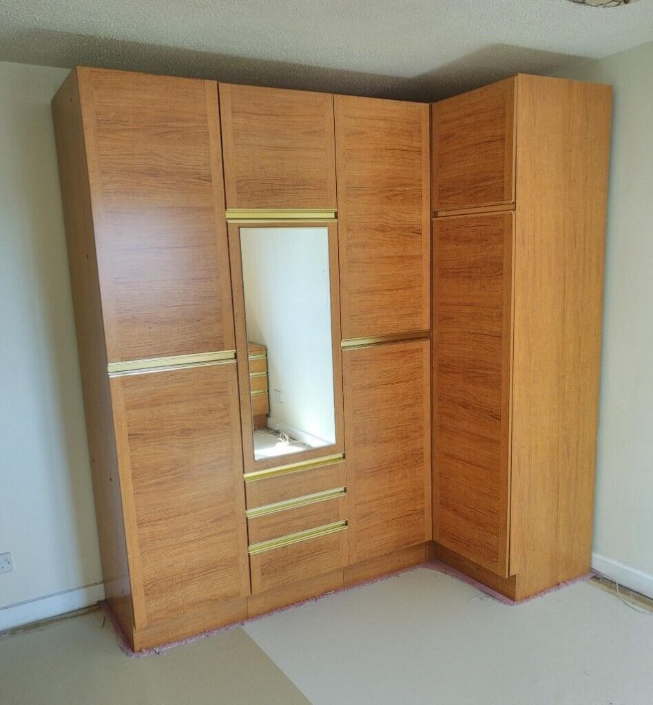 Free 8 Foot Height Modular Wardrobe Space For