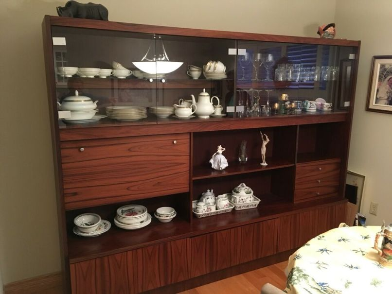 China Cabinet Hutches Display Cabinets City Of Toronto Kijiji
