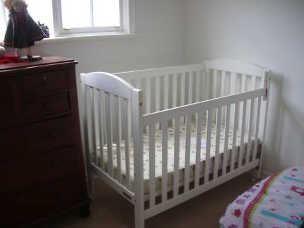 White Babies Cot With Mattress