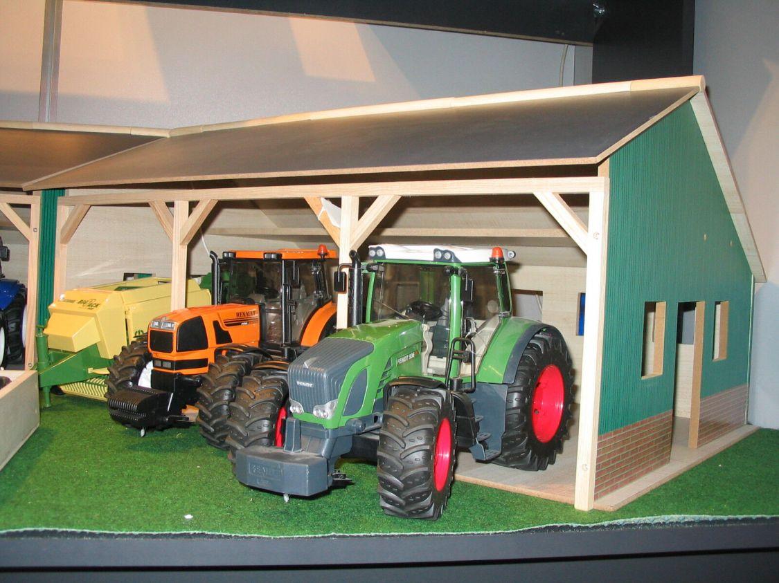 Neu Kids Globe Holz Scheune Bauernhof  Halle  für 3 Bruder Fahrzeuge 1:16