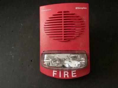Simplex 4906-9151 Fire Alarm TrueAlert Speaker/Strobe Wall Red