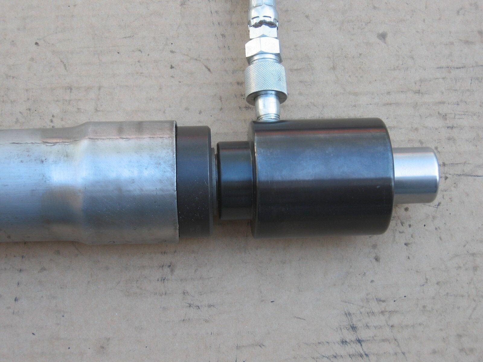 hydraulic exhaust pipe stretcher
