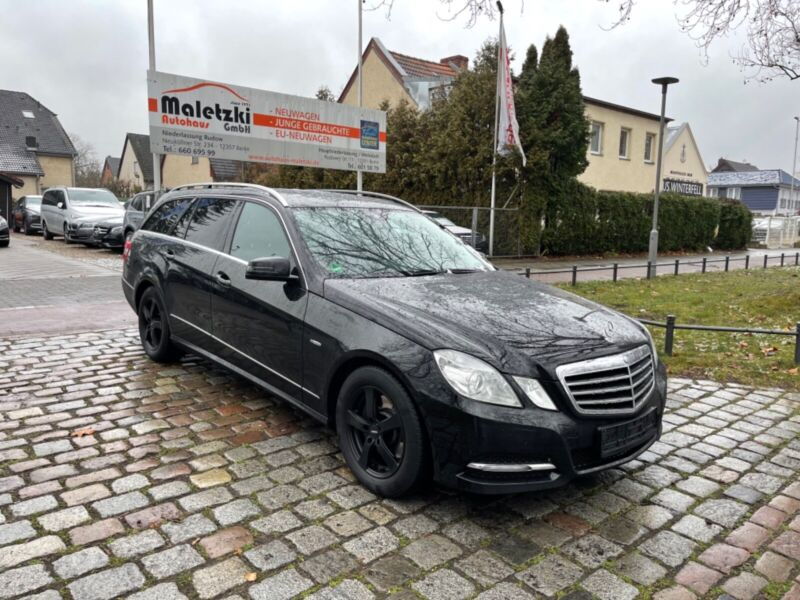 Mercedes-Benz E 250 T CDI Avantgarde BlueEfficiency*SHZ*AHK*