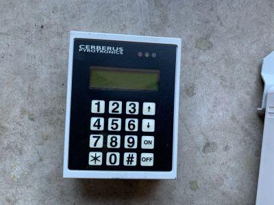 Siemens Cerberus Pyrotronics GE Interlogix Security Keypad IKE-2L-CP TPZ-IKE
