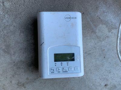 Viconics VT300C500B Digital Fan Thermostat