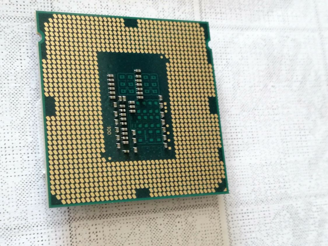 PC Prozessor / CPU Intel Core i3-530  SLBLR 2x 2,93 GHz Sockel 1156 4MB Cache