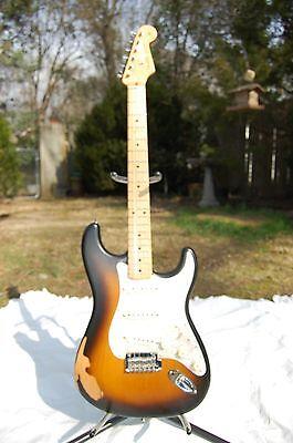 Fender Road Worn 50s Stratocaster  Color Sunburst – Maple Neck w/Gigbag
