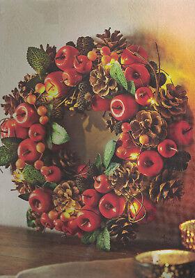LED Dekokranz Türkranz Herbst kranz  geschmückt mit Äpfelchen, Zapfen