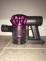 Dyson V6 Motorhead Cordless Vacuum Cleaner - Fuchsia *READ*