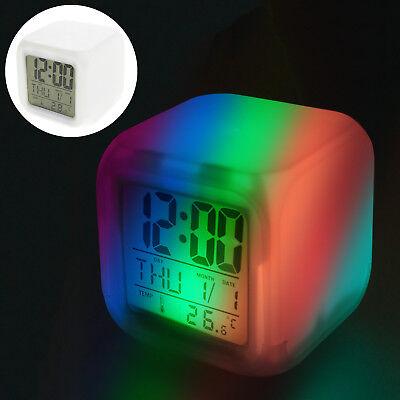 LED Kinderwecker Alarm Würfel Uhr mit Beleuchtung geräuschlos / ohne Ticken