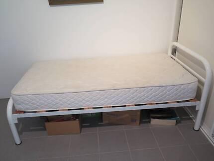 Single Bed With Sleepmaker Mattress