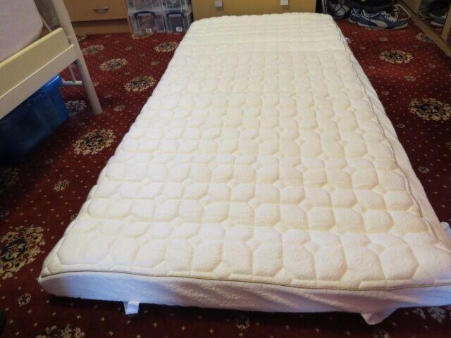 Dorma Tencel Memory Foam Single Mattress Topper Bargin At 70 00 O N Never Been Used