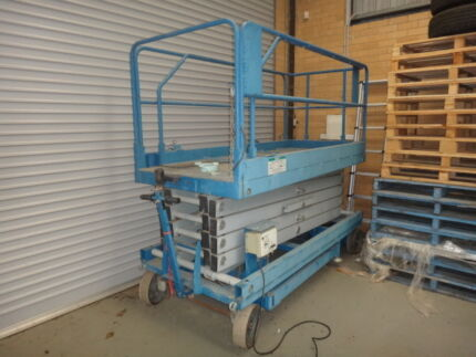 500kg Hydraulic scissor lift table for Hire $20/day ...